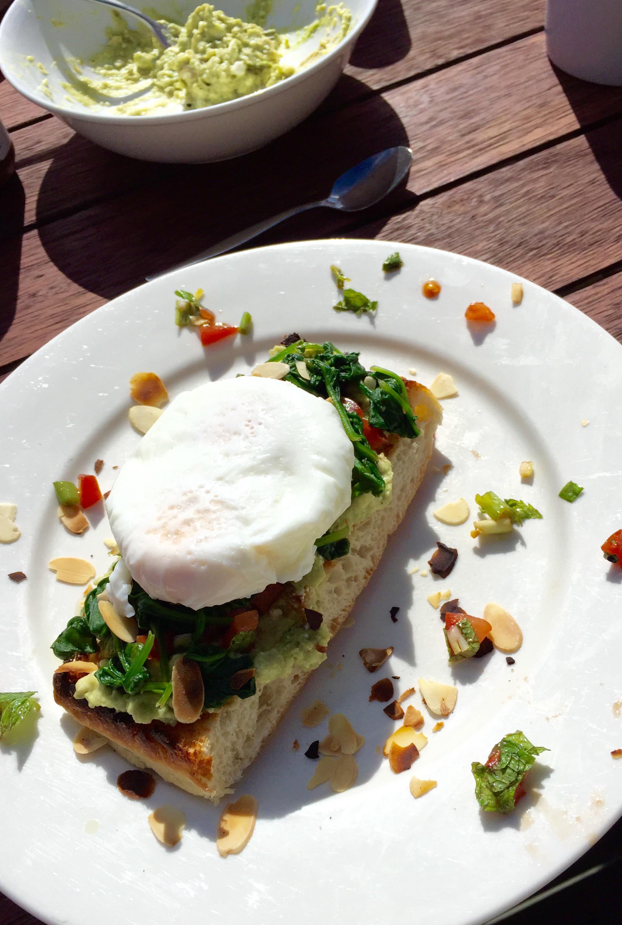 tomaten, rezept tomaten, Gesundes Frühstück, gesund ernähren, gesunde Zutaten, gesund frühstücken Rezept, schnelles und gesundes Frühstück