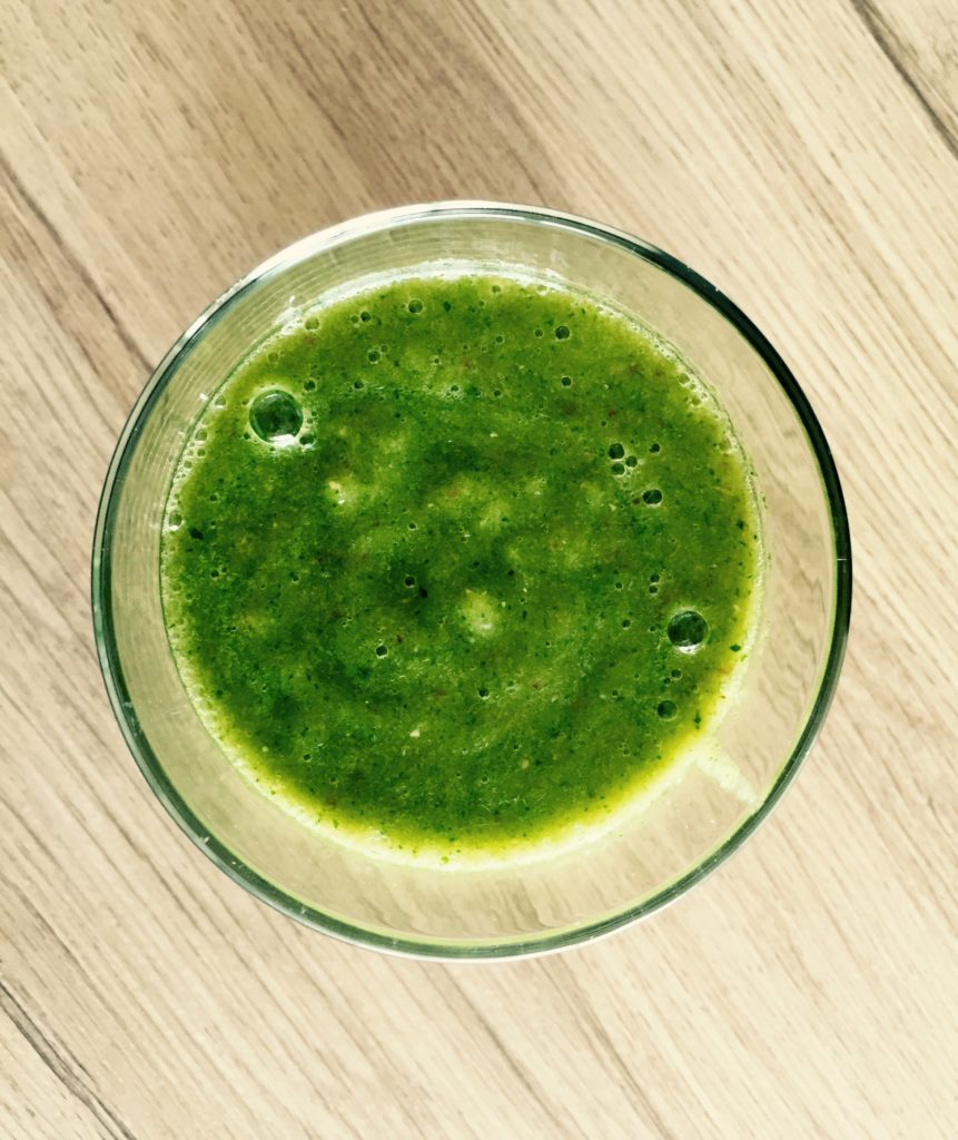 grüne smoothies, grüner smoothie spinat, rezept grüner smoothie, smoothie, smoothie rezepte, einfache smoothies