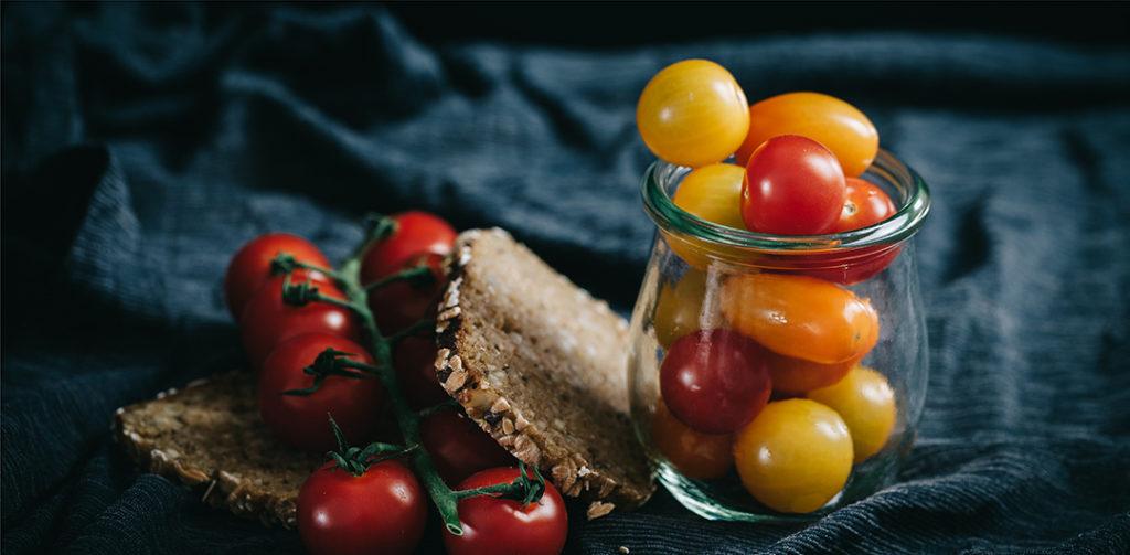 Gesundes Frühstück, gesund ernähren, gesunde Zutaten, gesund frühstücken Rezepte, schnelles und gesundes Frühstück, einfaches Frühstück, tomaten, rezept tomaten, tomaten rezepte