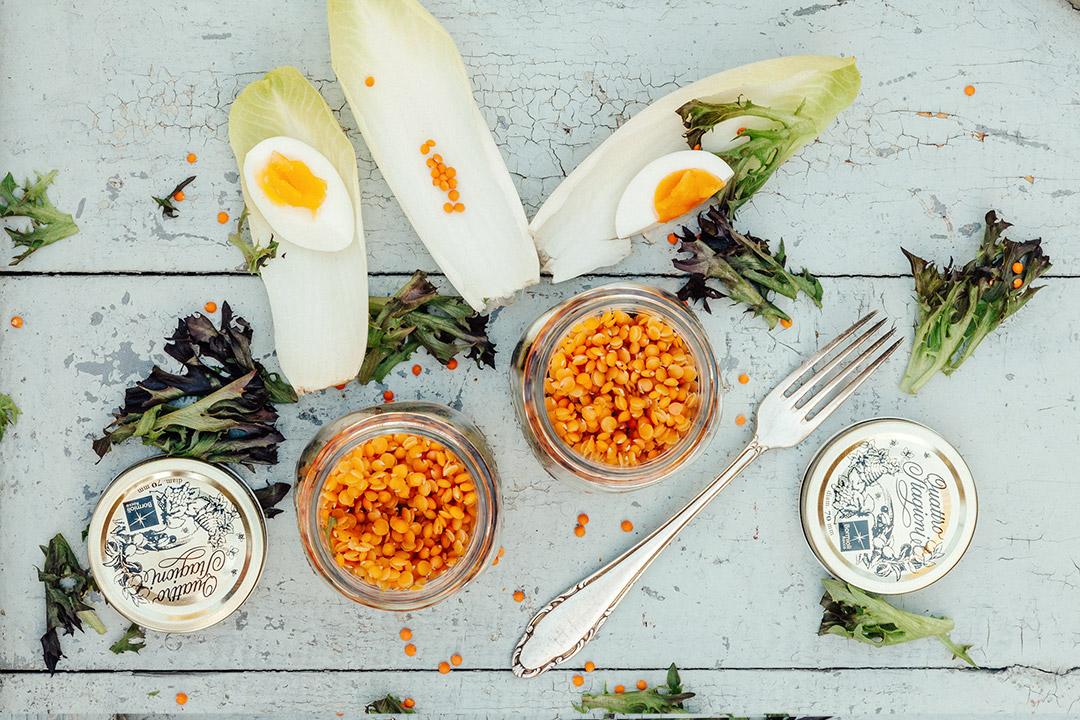 low carb fr hst ck salat mit roten linsen ei mango avocado dressing. Black Bedroom Furniture Sets. Home Design Ideas