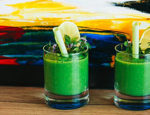 Rezept, grüne Smoothies, Smoothies, grüner smoothie Spinat, Avocado, gesunde Zutaten, abnehmen, grüne smmothies rezepte