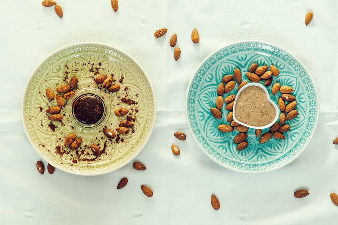 Gesund zum Frühstück - Mandelmus mit und ohne Schokolade ...
