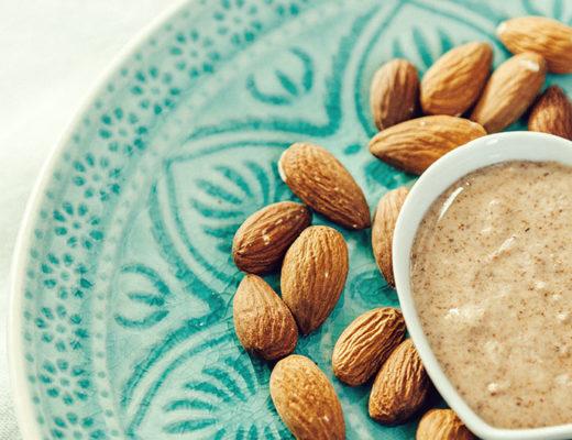 mandelmus selber machen, mandelmus rezepte, rezepte mit mandelmus, rezept frühstück, gesund frühstücken, gesundes frühstück rezepte, frühstück rezepte