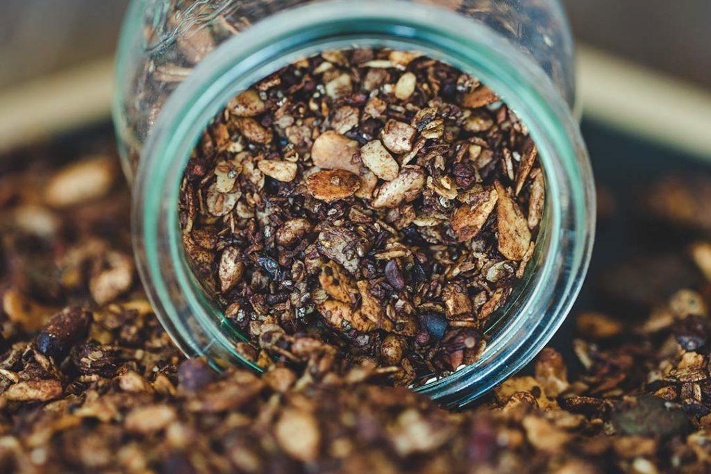 Rezepte ohne zucker, lebensmittel ohne Zucker, ernährung ohne zucker, essen ohne zucker, müsli ohne zucker, granola selber machen, granola rezept, granola müsli, granola rezept