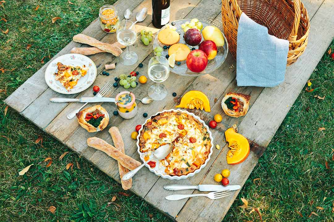 8 picknick rezepte bevor der sommer geht und der herbst. Black Bedroom Furniture Sets. Home Design Ideas