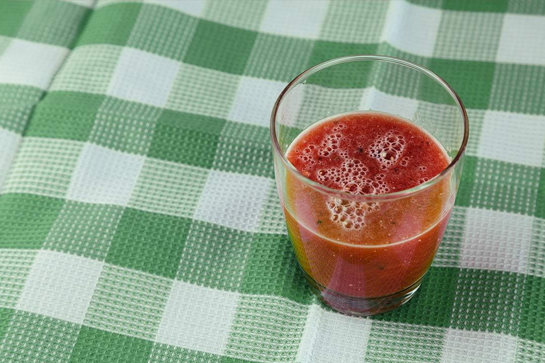 rezept, saft, saft selber machen, smoothie wassermelone, wassermelone rezept, wassermelone wodka, wassermelone reif, wassermelone inhaltsstoffe, wassermelone wirkung, wassermelone gesund