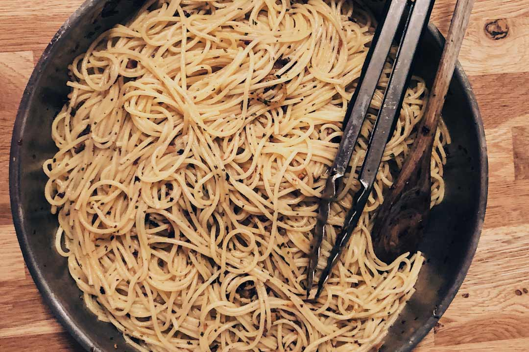 spaghetti rezept, spaghetti olio, spaghetti aglio, spaghetti aglio olio, spaghetti rezepte, rezepte, nudeln, rezepte pasta, pasta rezepte, spaghetti