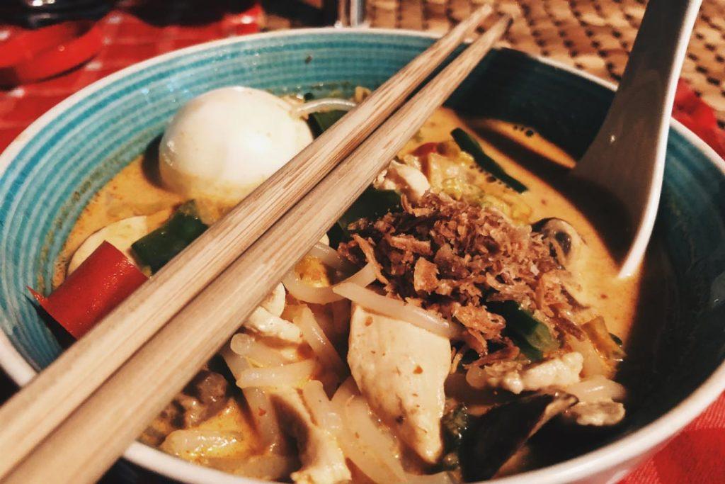 Asiatische Suppe Mit Kokosmilch Und Curry Laksa Fur Alle Foodblog Abwechslungsreiche Und Selbstkreierte Rezepte
