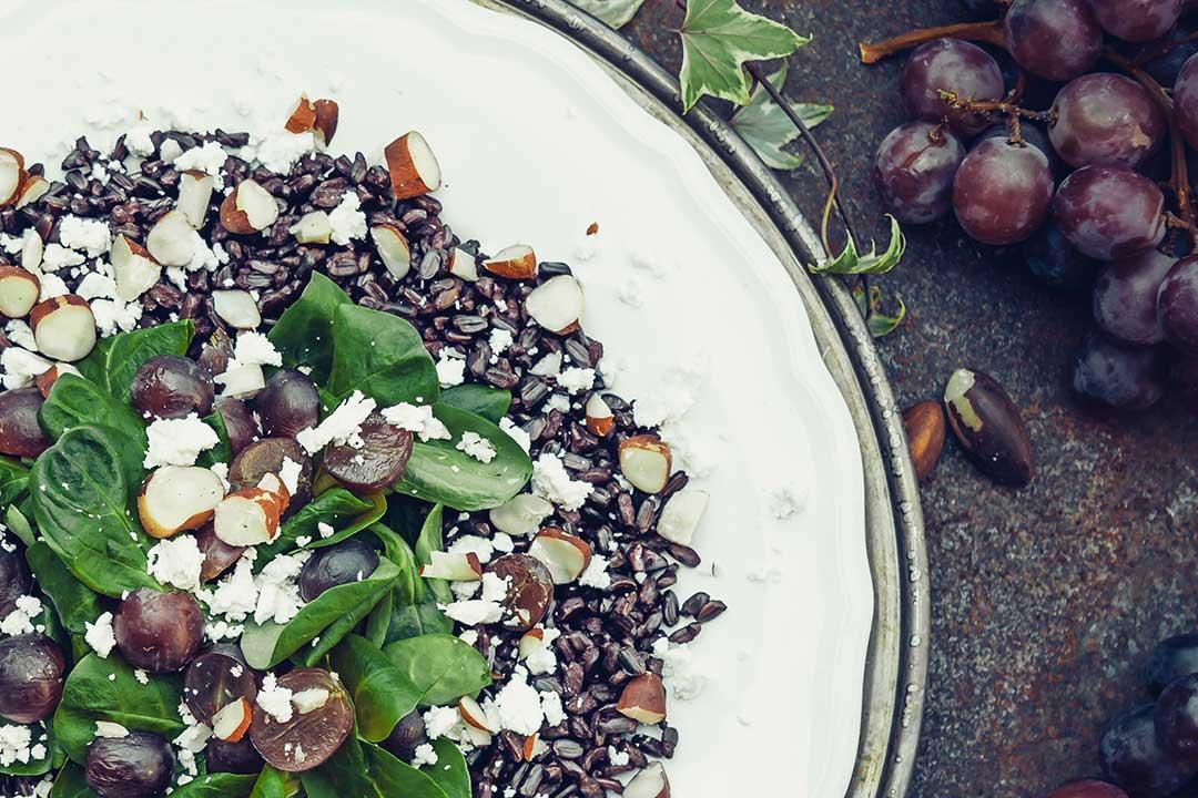 der perfekte salat zum fr hst ck rezepte tipps und ideen. Black Bedroom Furniture Sets. Home Design Ideas