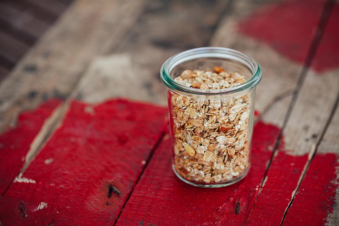 Granola rezept, granola selber Machen, granola müsli, granola selbst Machen, knuspermüsli selber Machen, knuspermüsli selbst Machen, knuspermüsli rezept, nuss, nüsse, cashew nüsse
