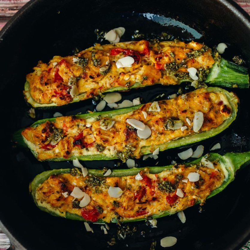 gefüllte Zucchini, gefüllte Zucchini vegetarisch, gefüllte Zucchini rezept, gefüllte Zucchini feta, gefüllte Zucchini low carb