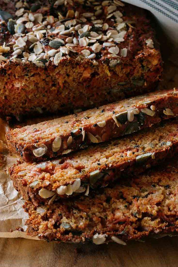 Rote Bete Brot mit Haferflocken