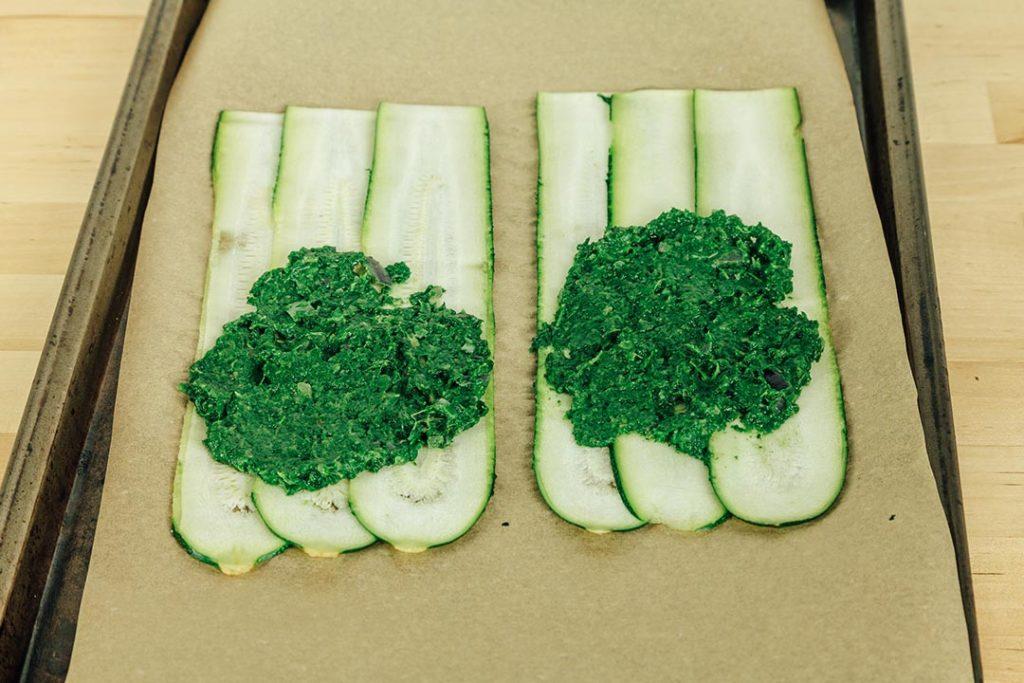 Vegane Zucchini-Canelloni gefüllt mit Spinat
