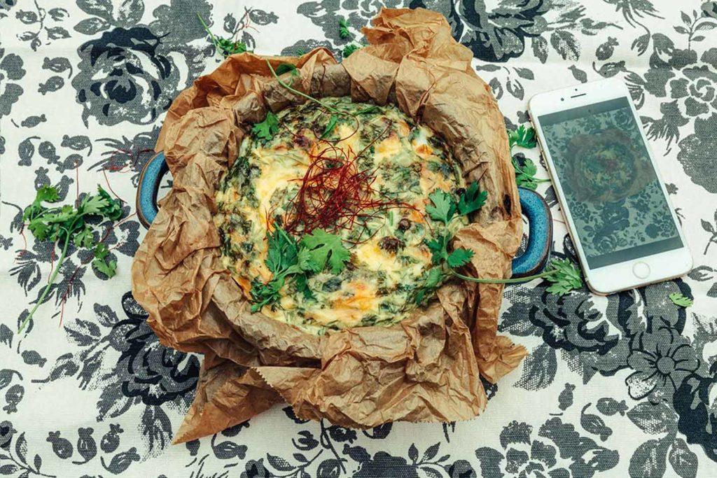 Ein warmer Auflauf zum Frühstück mit Zucchini und Kartoffeln