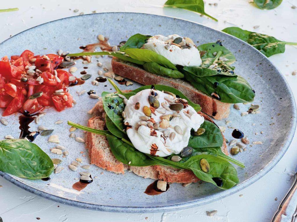 Saaten und Körner für ein knackiges Frühstück